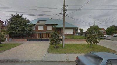 Allanan en Río Gallegos la casa que Néstor Kirchner le vendió a Lázaro Báez