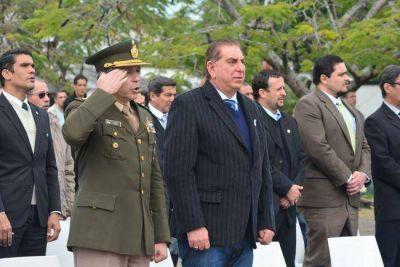 Jofré encabezó acto por el 206º Aniversario del Ejército