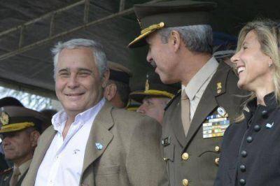 Fabi�n R�os acompa�� los festejos por el D�a del Ej�rcito Argentino