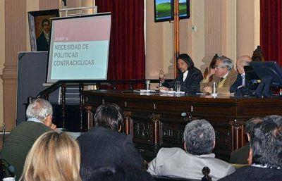 Parodi presentó en la Legislatura los proyectos de devolución de coparticipación y del Plan Bicentenario