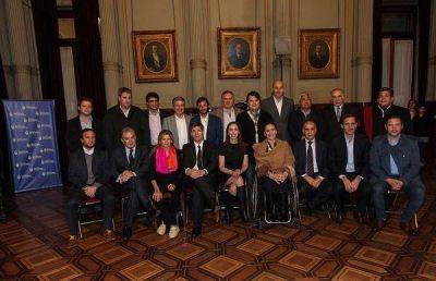Vidal pidi� apoyo a senadores