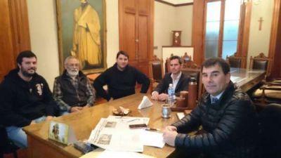 Reunión de delegados de ATE con el intendente Bertellys por FANAZUL