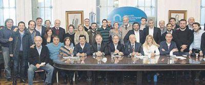 Tarifazo junta al PJ: los ultra y los post-K contra plan de Macri