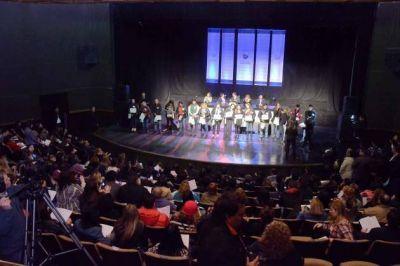 Plan de Inclusi�n Educativa: 305 puntanos recibieron su diploma