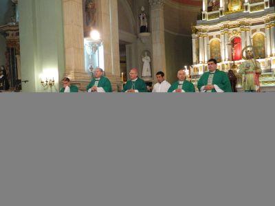 El Obispo dio gracias por sus 34 años de sacerdocio, a los pies de María