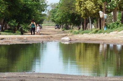 Saneamiento en Santa Rosa: presentaron obras a Nación