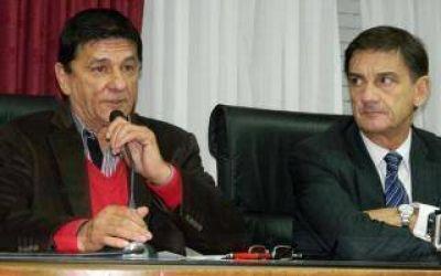 Roque P�rez firm� convenio con Provincia Microempresas