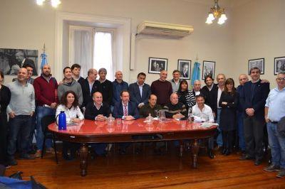 Legisladores e intendentes del peronismo se reunieron en La Plata