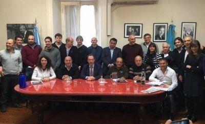 """El FpV cuestionó la agenda del FR y Cambiemos: """"A nadie le calienta la reelección de los intendentes"""""""