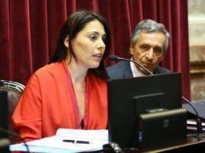Macri firmó DNU para avalar crédito árabe a Neuquén