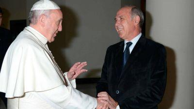 El papa Francisco recibe hoy a jueces y fiscales en el Vaticano
