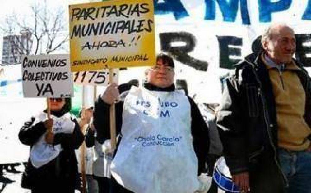 A un mes que se venza la prórroga firmada por Vidal, los intendentes se resisten a cumplir la ley de paritarias municipales