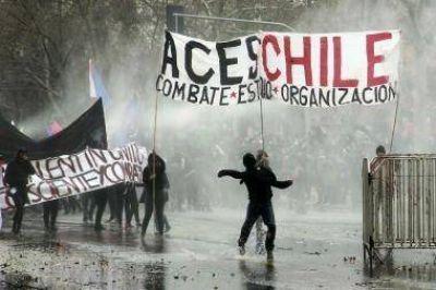 Estudiantes Chilenos protagonizan incidentes con carabineros