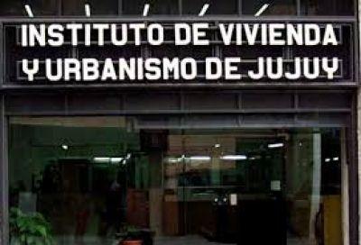 EL IVUJ ENTREGÓ MÁS DE CIEN ESCRITURAS EN SAN PEDRO