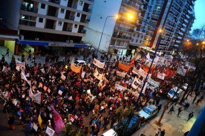 La marcha Ni Una Menos reunió a miles de personas en Mar del Plata