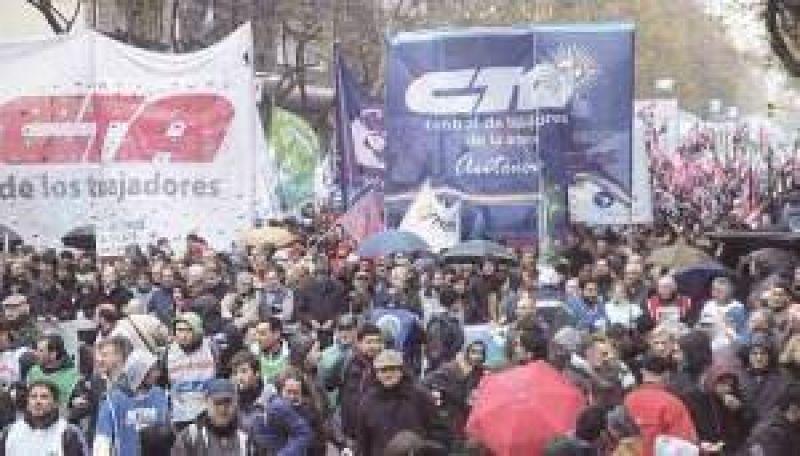 Las CTA, en marcha para convencer a la CGT de realizar un paro general