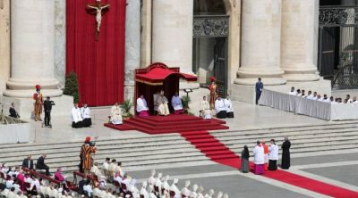 El Papa canoniza a dos nuevos santos: Permanezcamos en la Cruz como hizo María