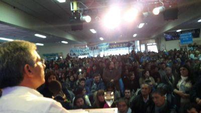 El espacio político de Claudio Poggi tuvo su primer congreso
