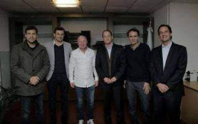 Dirigentes peronistas se reunieron con Mac Allister