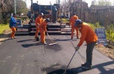 Lomas: comenzaron las tareas de bacheo en calles y accesos