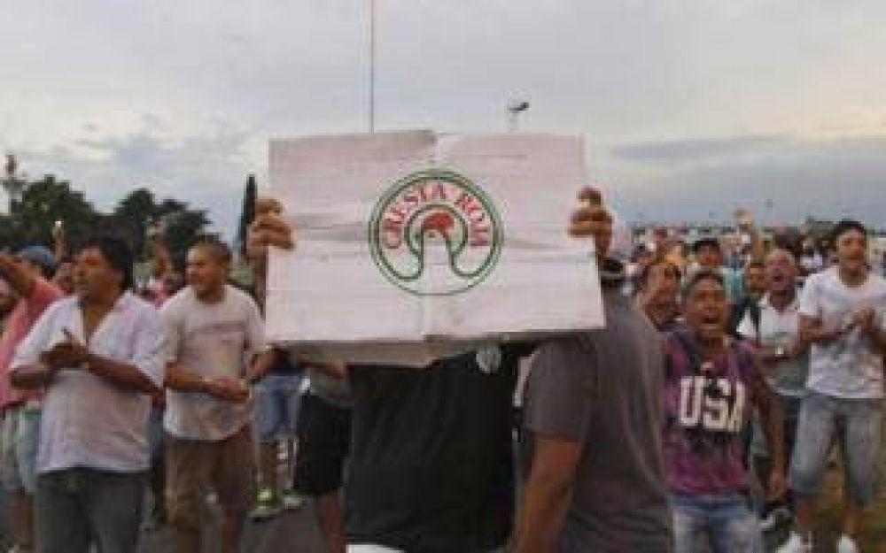 Cresta Roja realiza un paro y exigen respuestas por 2500 despidos