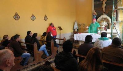 El Obispo Urbanc presidi� la misa en honor a los periodistas