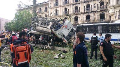 Atentado en Estambul: estall� un coche bomba y hay 11 muertos