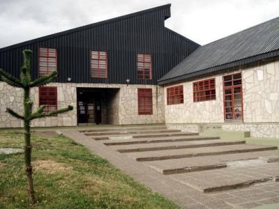 Llegan profesionales de Provincia por el inicio del V Foro Juvenil de Villa La Angostura