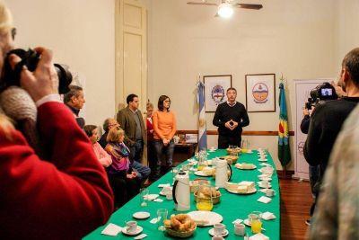 Desayuno con Luciani y acto en el Concejo