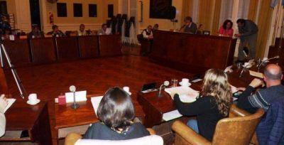 HCD: Aprueban por unanimidad proyectos paliativos a los incrementos de tarifas eléctricas