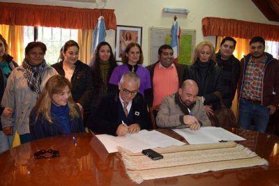 Firman convenio entre el ministerio de Salud y la municipalidad de La Banda