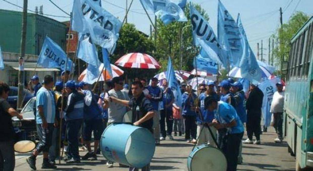 """Portuarios anunciaron paro y aseguraron que decreto provincial inicia un """"proceso de privatización"""""""