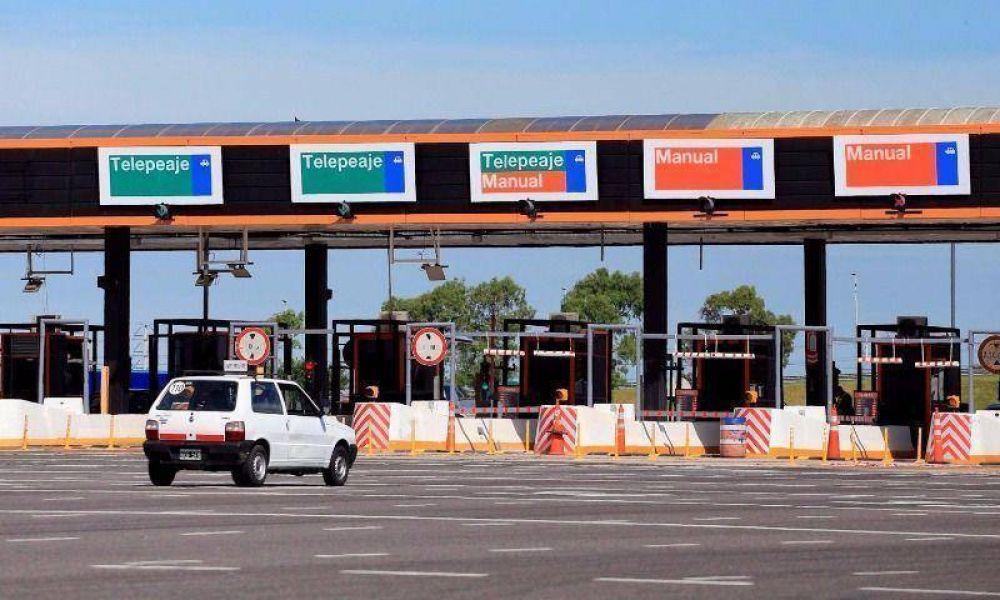 Usuarios Viales piden autopistas sin peajes junto a diputado rebelde del PRO