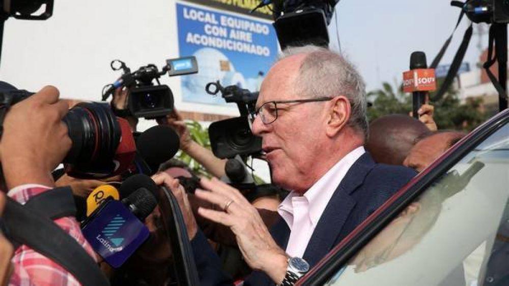 El suspenso por el presidente de Perú se extiende al fin de semana