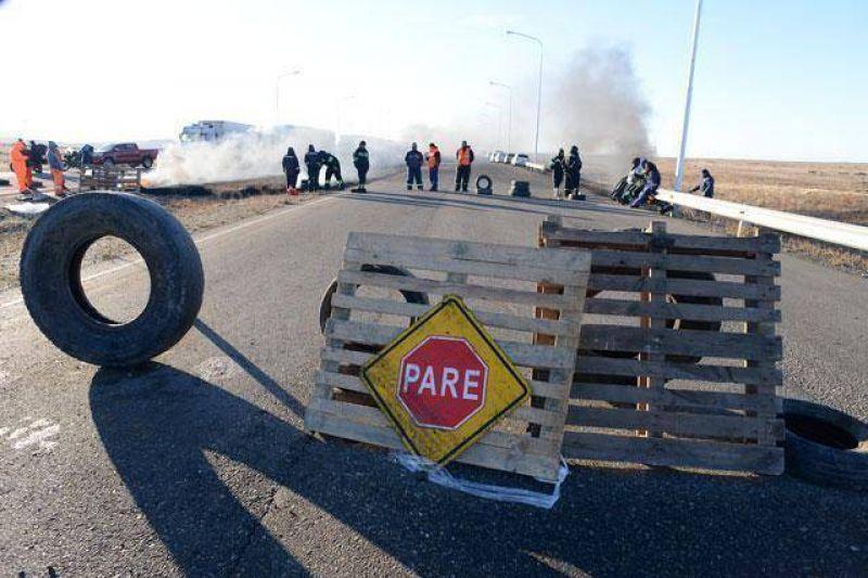 Viales y Mesa de Unidad Sindical mantiene sitiada a Río Gallegos