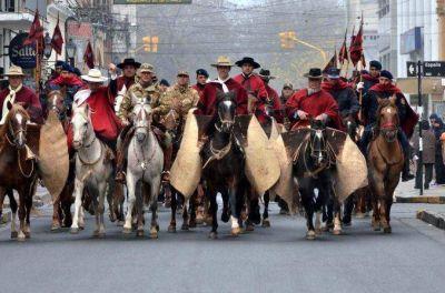 Urtubey encabez� una cabalgata hist�rica en Salta