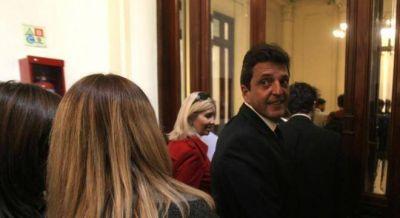 Massa negocia un acuerdo con el kirchnerismo y el Gobierno para sacar el pago a jubilados