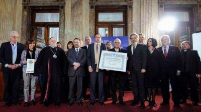 El Senado premió el trabajo del Papa por el cuidado del medio ambiente