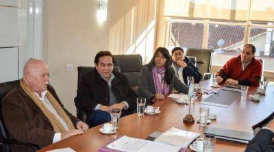 Senadores se reunieron con el Círculo Médico por el cobro de plus