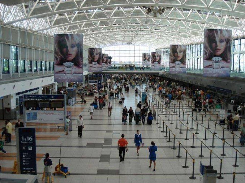 Paro en los aeropuertos: no hay vuelos hasta el domingo