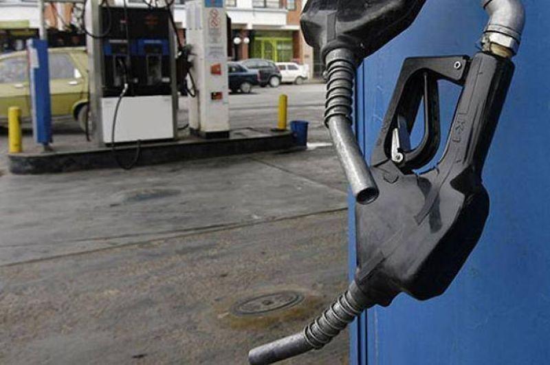 Camioneros entrerrianos se concentran en Concepción del Uruguay para apoyar el paro del transporte de combustible