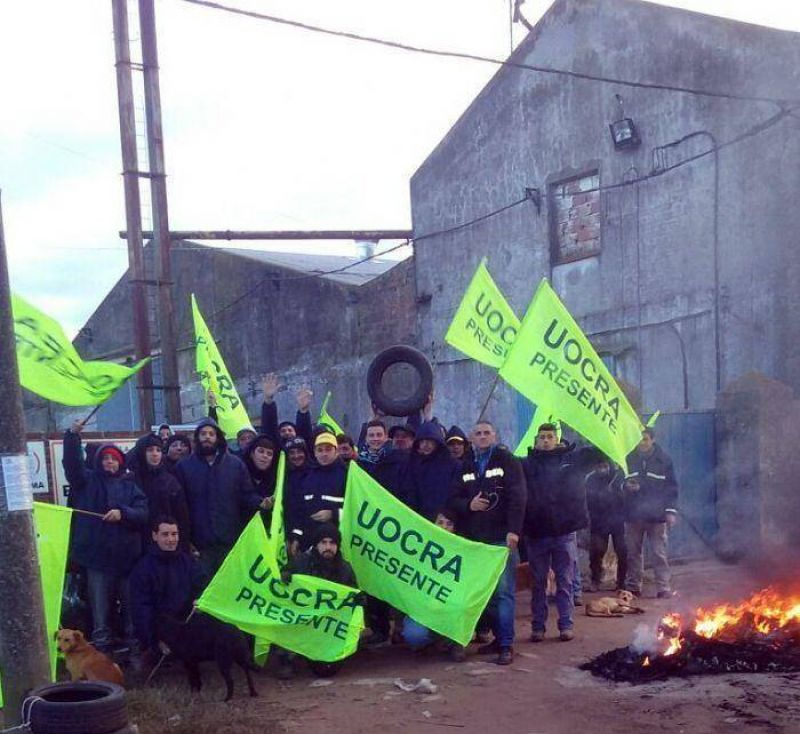 Dictan conciliación obligatoria y 300 trabajadores de la Uocra tienen una luz de esperanza