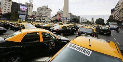 La mayor protesta de taxistas contra Uber se apoderó de la 9 de Julio