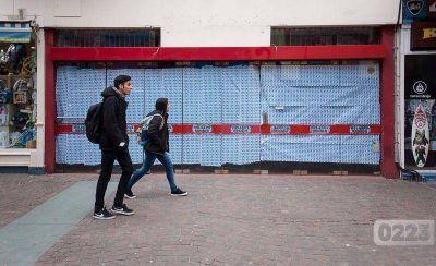 Cierran locales en la Peatonal: comerciantes culpan a los precios de los alquileres