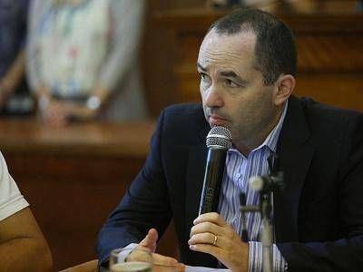 PROPONEN CAMBIOS EN RECORRIDO DE ÓMNIBUS PARA MAYOR SEGURIDAD DE ALUMNOS Y DOCENTES DE LA ESCUELA 74