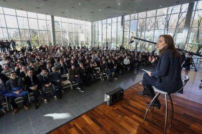Vidal reuni� a Intendentes, diputados y a su gabinete en Vicente L�pez
