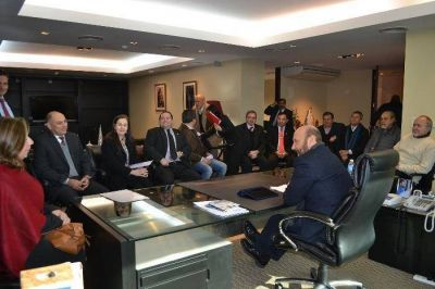 El gobernador Insfrán dispuso medidas para reanudar servicio de balsa Cano-Pilar