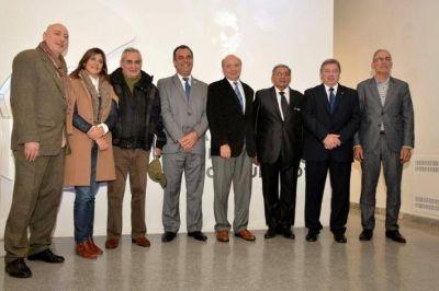 En Buenos Aires, Daniel Capitanich participó de la apertura de la muestra de la bienal de esculturas