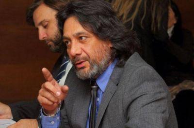 """Carlos Amad: """"Vamos esperanzados, con pruebas contundentes"""""""