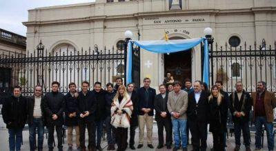 M�s papistas que nunca, dirigentes del PJ tiraron por elevaci�n contra el gobierno de Macri